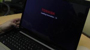 фото ремонт ноутбуків Toshiba