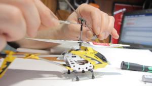 фото ремонт радиоуправляемых игрушек